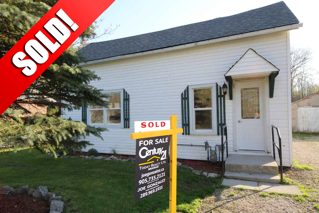 SOLD: 1582 North Shore Lowbanks