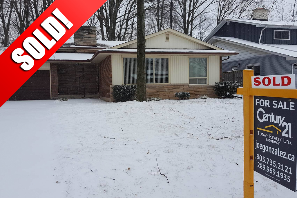SOLD: 137 Maureen Ave Welland